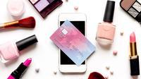 Belanja produk makeup/kosmetik. (Foto: Shutterstock By 279photo Studio)
