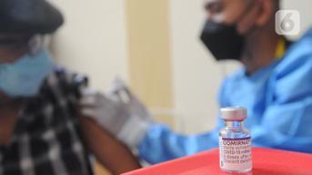 Ratusan Pemulung di TPA Rawakucing Tangerang Divaksinasi Pfizer