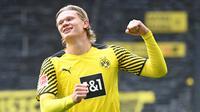 Erling Haaland. Striker Borussia Dortmund berusia 21 tahun ini hingga kini masih diperjuangkan Manchester United untuk direkrut. Jika masih bertahan, ia masih layak bersaing dengan Lewandowski. Total 27 gol dilesakkannya musim lalu di kancah Bundesliga dalam 28 laga. (Foto: AFP/Pool/Ina Fassbender)