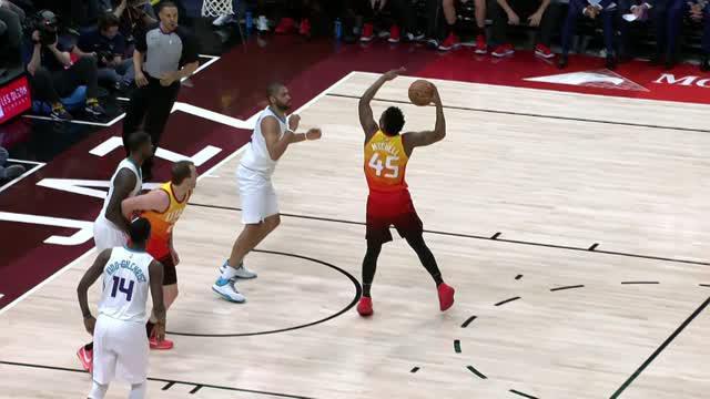 Berita video game recap NBA 2017-2018 antara Utah Jazz melawan Char;otte Hornets dengan skor 106-94.