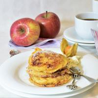Ilustrasi pancake apel./Copyright pixabay.com/users/RitaE-19628/