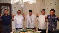 Calon Wakil Presiden nomor urut 02 Sandiaga Salahuddin Uno menggelar pertemuan tertutup dengan para sekjen partai yang tergabung dalam koalisi Indonesia Adil Makmur di kediamannya Jl Pulobangkeng, Jakarta Selatan, Selasa (23/4/2019) malam.