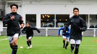 Dua pemain Garuda Select, Muhammad Ilham dan Subhan Fajri. (Media Mola TV).