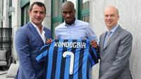 Geoffrey Kondogbia, gelandang berdarah Prancis ini resmi bergabung Inter Milan, Senin (22/6/2015). (Twitter)