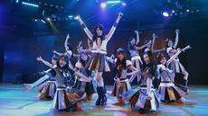 Grup idola yang memiliki banyak member kembali menunjukkan eksistensinya di belantika musik tanah air. Grup JKT 48 baru saja meluncurkan single terbarunya. (Bambang E. Ros/Bintang.com)