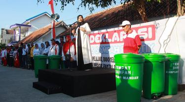 Sambut Festival Pasar Ikan, Warga Banyuwangi Kompak Bersih-bersih Kampung Nelayan