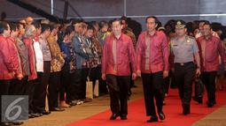 Presiden Joko Widodo didampingi Menteri Perdagangan Thomas Lembong menghadiri skala internasional, Trade Expo Indonesia (TEI) ke-30 Tahun 2015 di Jakarta, Rabu (21/10/2015). (Liputan6.com/Faizal Fanani)