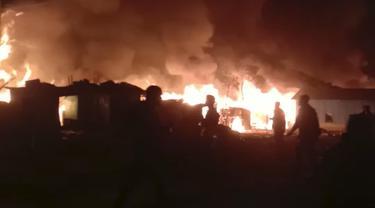Menengok Kamp Pengungsi Rohingya yang Hangus Terbakar di Bangladesh