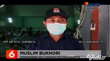 Sebanyak 2.800 surat suara Pilkada Kabupaten Mojokerto, ditemukan rusak oleh para pekerja pelipatan yang dikerahkan oleh KPU. Surat suara yang rusak di antaranya terdapat bercak tinta, kelebihan potongan, dan gradasi warna.