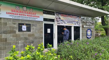 Pos Satpol PP Makassar diserang OTK (Liputan6.com/Fauzan)