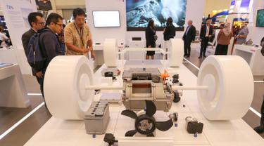 Sebuah sistem percepatan mobilitas listrik Bosch yang ekonomis dan efisien dihadirkan dalam pameran GIIAS 2019, di ICE BSD, Tangerang, Jumat (19/7/2019). Teknologi bagi pengendara listrik dan hybrid guna mendukung percepatan mobilitas listrik di Indonesia. (Liputan6.com/Fery Pradolo)