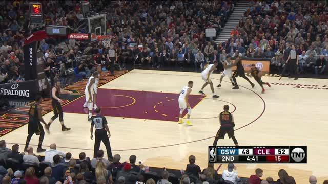 Berita video game recap NBA 2017-2018 antara Golden State Warriors melawan Cleveland Cavaliers dengan skor 118-108.