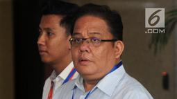 Komisioner Ombudsman Republik Indonesia (ORI), Adrianus Meliala mendatangi gedung KPK, Jakarta, Selasa (15/5). Kedatangan Adrianus untuk membahas penanganan kasus teror air keras yang menimpa penyidik KPK, Novel Baswedan. (Merdeka.com/Dwi Narwoko)