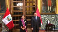 Menteri Luar Negeri RI, Retno Marsudi bersama Menteri Luar Negeri Peru, Néstor Francisco Popolizio Bardales di Lima (23/5) (Kementerian Luar Negeri RI)