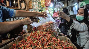 FOTO: Harga Cabai Rawit Merah Tembus Rp 120 Ribu per Kg