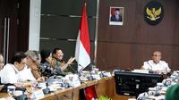 Menko PMK Muhadjir Effendy memimpin Rapat Tingkat Menteri membahas Tindak Lanjut Perpres Nomor 75 Tahun 2019 di Kantor Kemenko PMK, Jakarta pada Senin (6/1/2020). (Dok Kementerian Koordinator Bidang Pembangunan Manusia dan Kebudayaan)