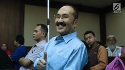 Terdakwa merintangi penyidikan KPK pada kasus korupsi e-KTP, Fredrich Yunadi jelang sidang pembacaan putusan di Pengadilan Tipikor, Jakarta, Kamis (28/6). Sebelumnya, Fredrich Yunadi dituntut hukuman 12 tahun penjara. (Liputan6.com/Helmi Fithriansyah)