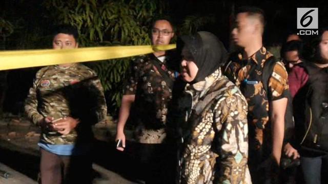 Walikota surabaya, Tri Risma Harini, berharap warga kota surabaya tetap tenang atas kejadian bom di tiga gereja ini