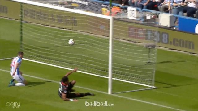 Aubameyang membawa Arsenal taklukkan Huddersfield 1-0 dalam pekan terakhir Premier League. This video is presented by Ballball.