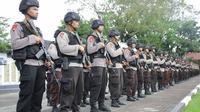 Pengiriman ratusan personel Polda Sulut ke perbatasan dekat Filipina di bawah sandi Aman Nusa 3. (Liputan6.com/Yoseph Ikanubun)