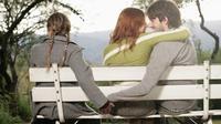 Setia dan selingkuh adalah tabiat yang diciptakan oleh lingkungan dan kebiasaan. (Foto: skirtcollective.com)