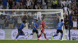 Pemain 21 tahun tersebut mampu menjadi keran gol ketika laga baru berjalan 11 menit. Gol keduanya tercipta pada menit ke-29 setelah sukses mengkonversi umpan apik yang diberikan Federico Bernardeschi. (Foto: AP/Luca Bruno)