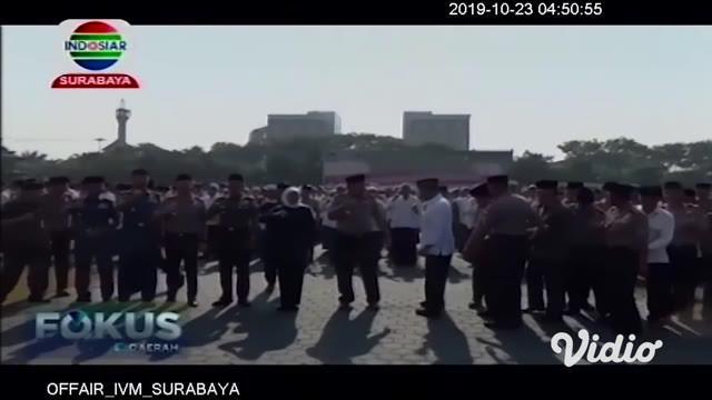 Memperingati Hari Santri 22 Oktober, Forkopimda Jawa Timur menggelar apel pasukan di Lapangan Polda Jatim, dengan mengambil tema Santri Indonesia Untuk Perdamaian Dunia.