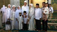 Hansamu Yama melangsungkan akad nikah di Masjid Al-Akbar, Surabaya, Kamis pagi (28/2/2019). (Bola.com/Istimewa)