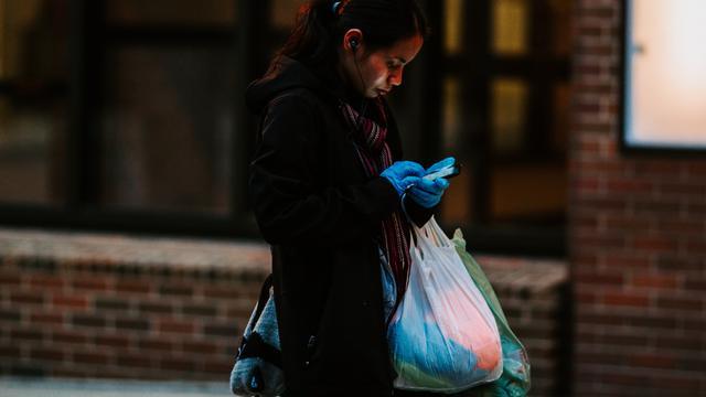 Permintaan Plastik Melonjak di Masa Pandemi, Kebijakan Pelarangan Tak Efektif?
