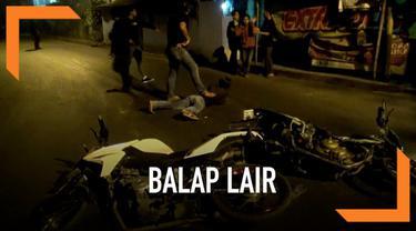 Polrestro Tangerang Kota merazia puluhan pelaku balap liar. Beberapa pembalap berusaha kabur dari sergapan petugas. Petugas polisi mele[askan tembakan peringatan kepada pelaku balap yang berusaha kabur.