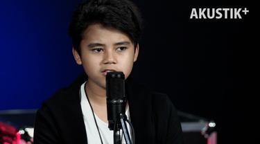 Axel Farden ft. Moldy Radja memilih Indonesia Pusaka sebagai lagu nasional di Akustik Plus.