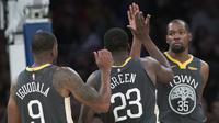 Selebrasi Pemain Warriors usai hajar Knicks (AP)