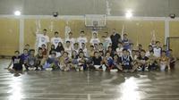 Depok Nation Basketball menjadi tempat bagi para generasi muda mengejar mimpinya menjadi pebasket profesional. (Bola.com/Andhika Putra)