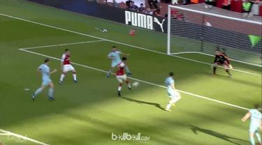 Arsene Wenger meraih kemenangan besar dalam partai kandang terakhirnya bersama Arsenal dengan melumat Burnley lima gol tanpa balas...