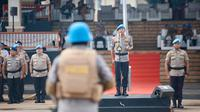 Kapolri Jenderal Idham Azis memimpin jalannya pembaretan 154 personel Polri, Kamis (12/3/2020). (foto: Humas Polri),