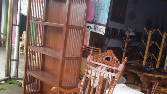 Produk kayu Jepara (Foto: Siti Khusnul Khotimah, mahasiswi Pendidikan Agama Islam, STAI Muhammadiyah Blora)