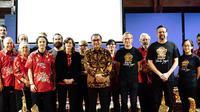 Dubes Tantowi Yahya bersama para peserta yang menampilkan kesenian khas Indonesia. (DokumentasiKBRI Wellington)