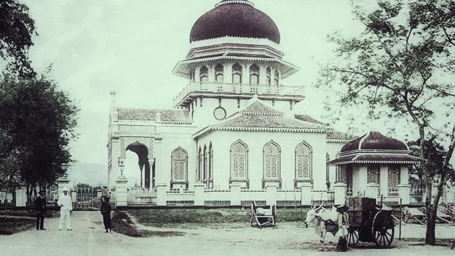 Ketika Kontraktor Cina Membangun Masjid Baiturrahman Aceh