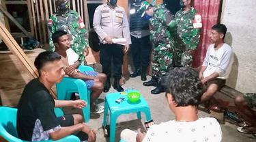 Personel Polsek Kabaruan dan TNI juga memberikan imbauan kepada masyarakat Talaud untuk tetap bersama-sama menjaga situasi kamtibmas yang aman, dan kondusif di desa masing-masing.