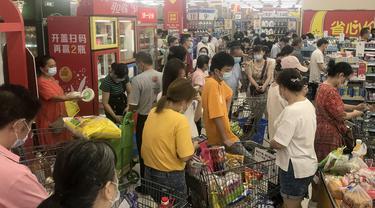 Covid-19 Kembali, Warga Wuhan Langsung Padati Supermarket