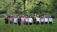 Menkominfo Rudiantara ajak Menteri TIK ASEAN tanam pohon di Ubud. Dok: Kemkominfo