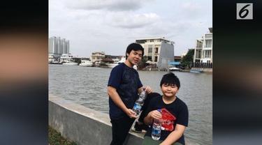Anak sulung Ahok, Nicholas Sean mengunggah foto dirinya di dalam mobil favorit Ayahnya.