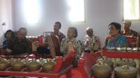 Selain rebana, juga memanfaatkan instrumen gamelan sebagai pelengkap. (foto : Liputan6.com/edhie prayitno ige)