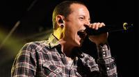 Vokalis band rock Linkin Park, Chester Bennington dikabarkan meninggal dunia karena bunuh diri pada Kamis, 20 Juli 2017. (Foto: ForWallpaper)