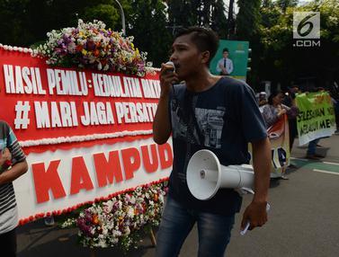Massa Aksi Save KPU