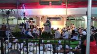 AHY dan Prabowo menghadiri Maulid Nabi Muhammad di Masjid Kwitang. (Liputan6.com/Muhammad Radityo Priyasmoro)