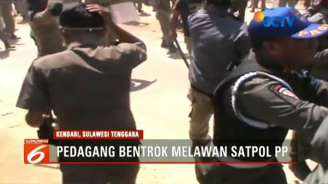 Lantaran tidak tertib, keberangkatan ratusan jemaah calon haji asal Kabupaten Tangerang, Banten, diwarnai kericuhan.