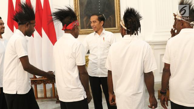 Jokowi Ajak Makan Siang Warga Papua