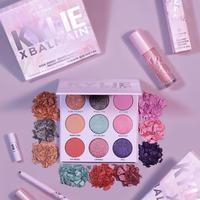 Kylie Jenner melakukan kolaborasi dengan Balmain untuk melansir koleksi makeup (Foto: instagram/kyliecosmetics)