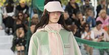 Lacoste sebagai label sportswear asal Prancis memiliki ciri khas tersendiri dalam setiap garis rancangnya.